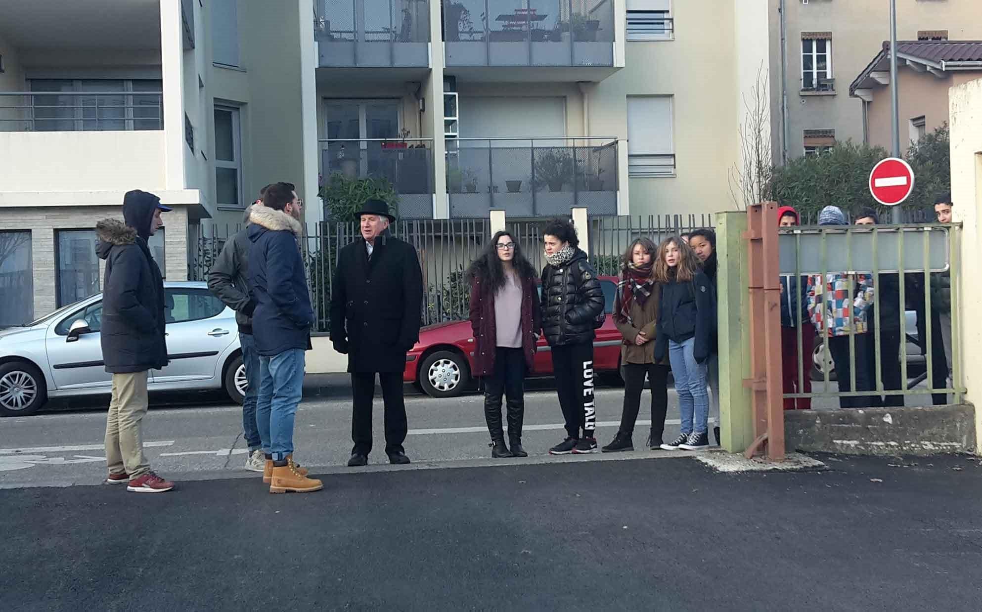 Photo - Les élèves du Collège Jean Macé à Villeurbanne lors de la visite de l'IUT